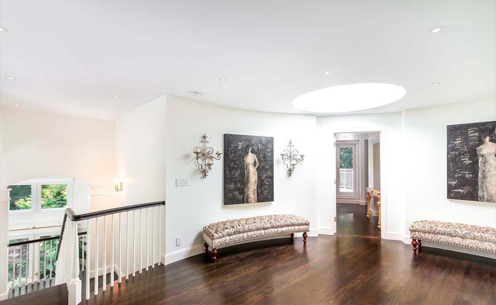 Белый дизайн интерьера дома Серены Уильямс