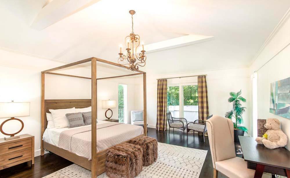 Одна из шести спален в доме Серены Уильямс в Бель-Эйр