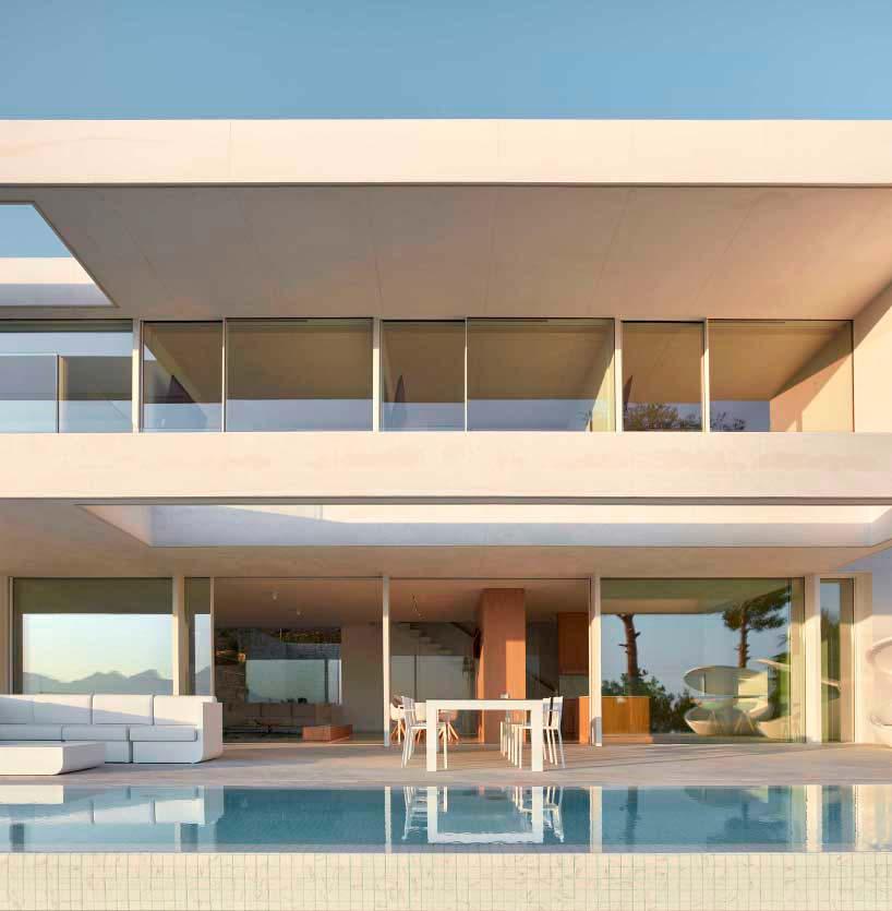 Красивый дом с бассейном в Аликанте