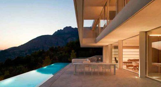 Дом с панорамным видом на Аликанте от Рамона Эстеве | фото