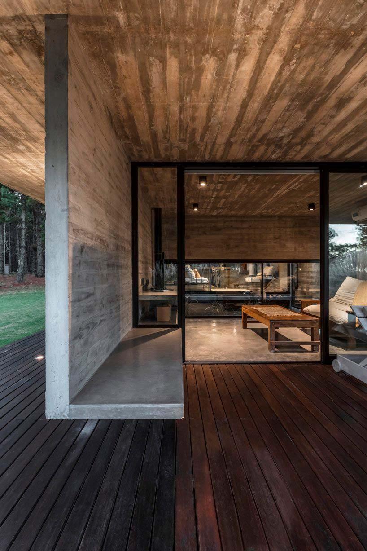 Неотделанный бетон в дизайне дома