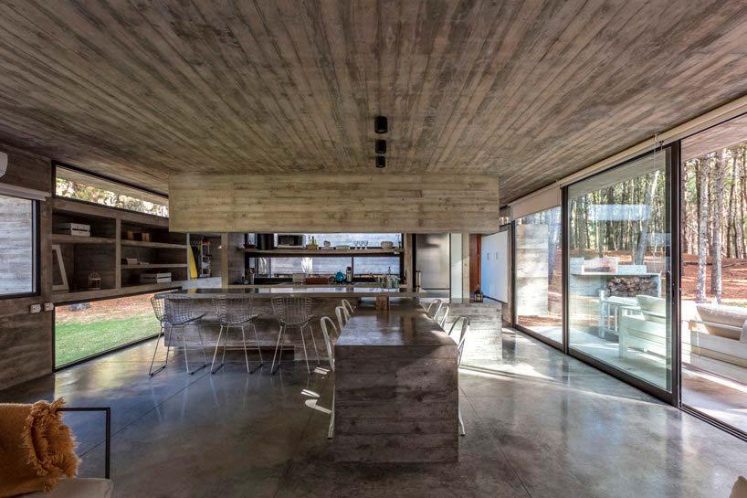 Бетонный дизайн кухни от Besonías Almeida Arquitectos