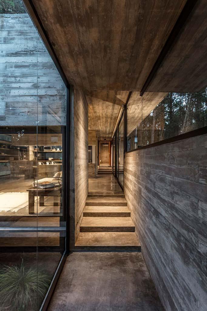 Неотделанный бетон в интерьере