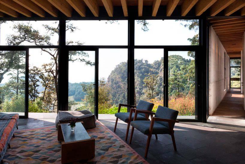 Дом с видом на долину