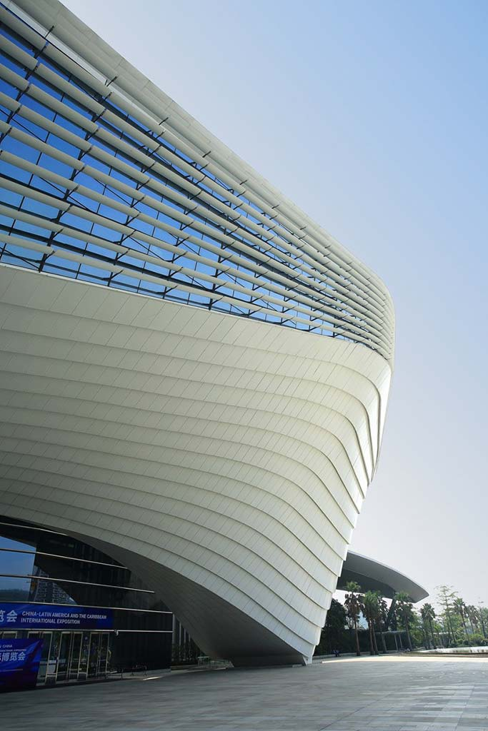 Подиум башни от RMJM Architects