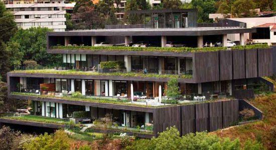 Дом в холме в Мехико от Sordo Madaleno Arquitectos | фото