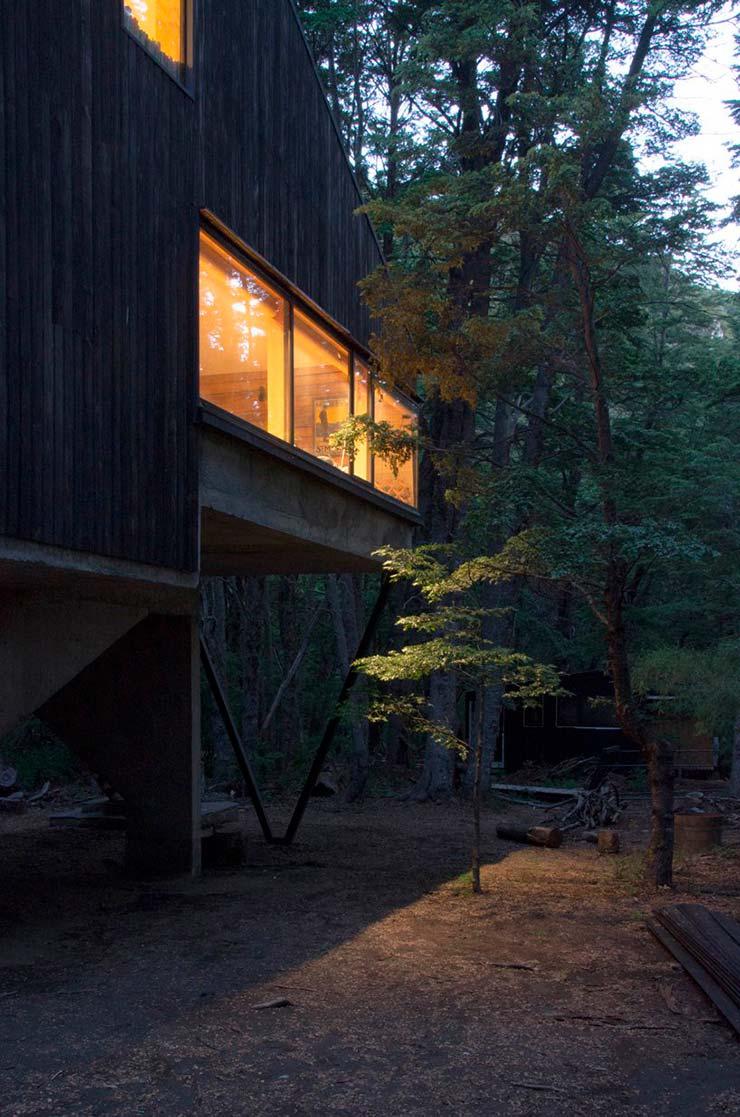 Деревянная изба в горах Чили. Проект DRAA