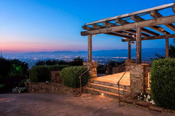 Терраса с видом на Лос-Анджелес