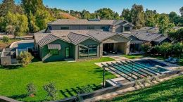 Актриса Крис Дженнер продала дом в Хидден-Хилс | фото и цена