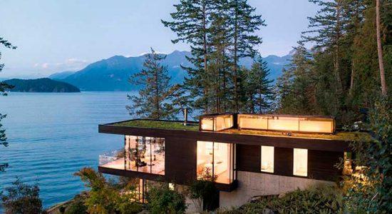 Дом на берегу озера в Канаде от студии OMB | фото