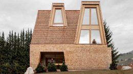 Деревянный горный дом в Италии от Pedevilla Architects | фото