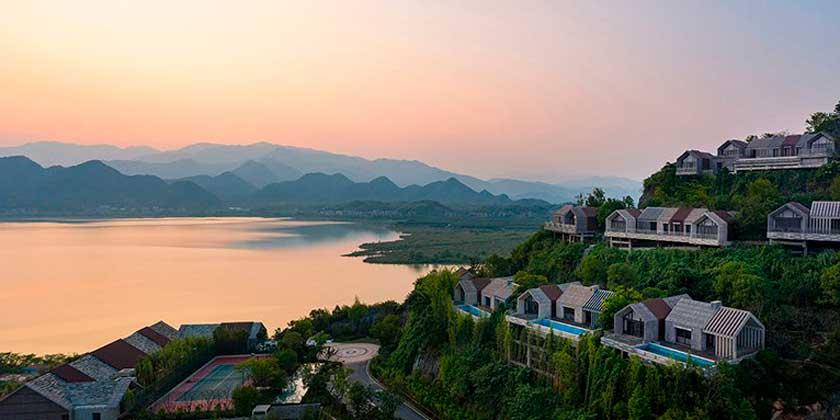 Hilton Hotels открыла курортный комплекс на берегу озера в Китае