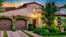 Модель Ванесса Лэйн Брайант продала дом в Калифорнии за $2 млн