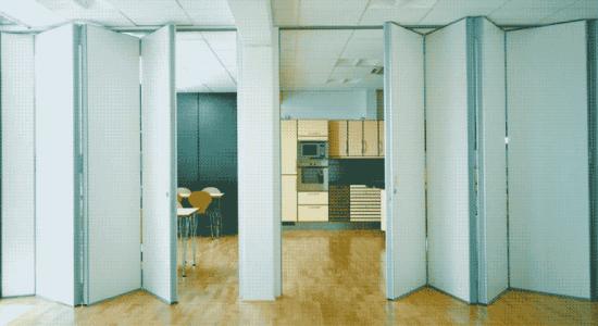 Раздвижные перегородки в конференц-залы. Функционально и быстро