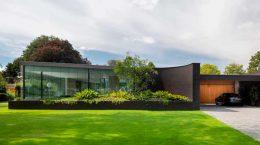 Вилла с чёрным кирпичным фасадом от Bedaux de Brouwer | фото