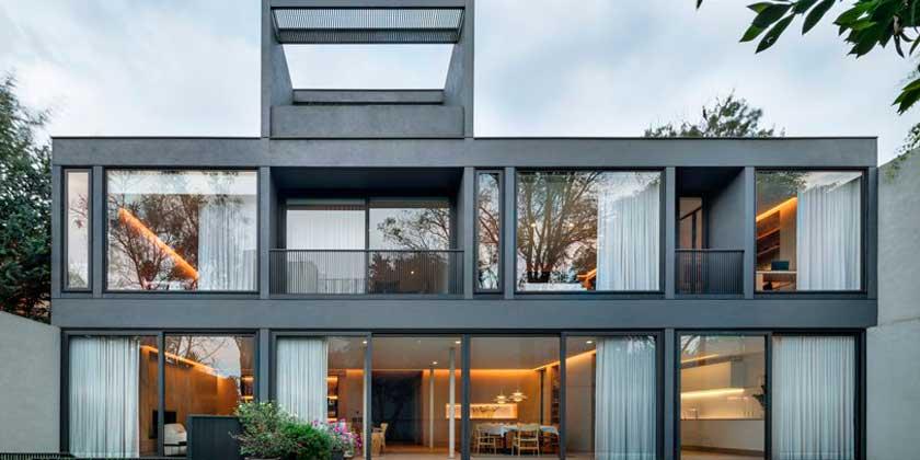 Старый дом в модернистском стиле. Реставрация от HEMAA | фото
