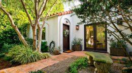 Энди Фавро и Молли Маккуин продали дом в Голливуде | фото