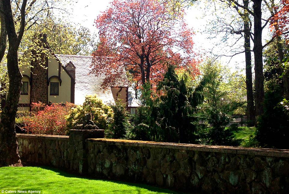 Дом в стиле тюдор в Нью-Йорке
