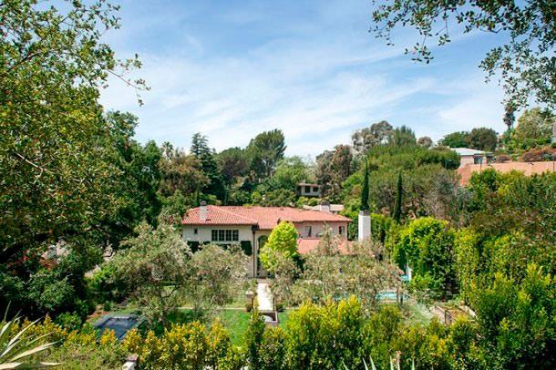 Риз Уизерспун продала поместье в Лос-Анджелесе за $10 млн
