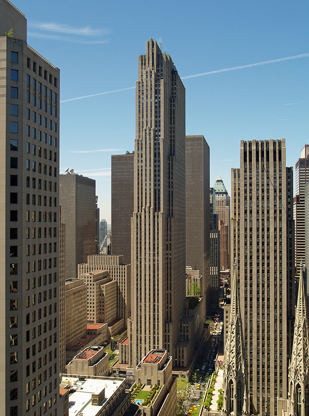 Потомки Рокфеллера съезжают из небоскреба 30 Rockefeller Plaza