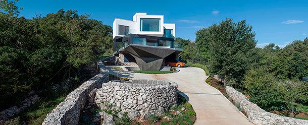 Дом в Хорватии у моря на острове Крк от Turato Architecture