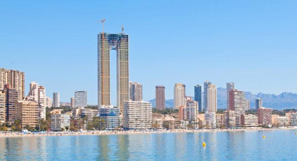 47-этажный небоскреб без лифта построен в Испании | фото