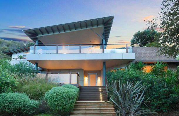Кинорежиссёр Джон Синглтон продал пляжный дом в Австралии