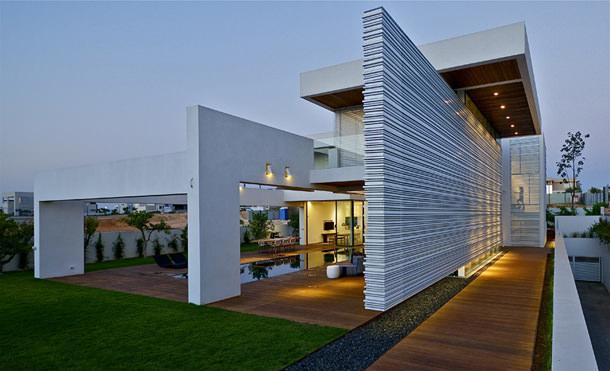 Дом в стиле хай-тек в Израиле от Gal Marom Architects   фото