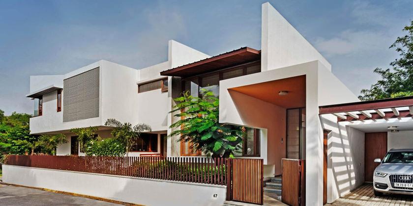 Компания Khosla Associates построила особняк в Индии
