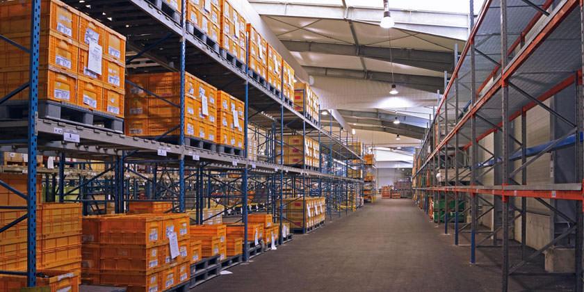 Как консольные стеллажи повышают эффективность склада