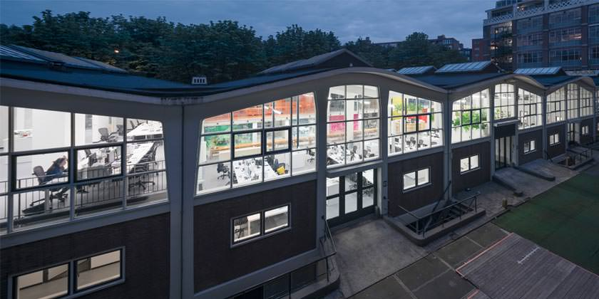 Распахнула двери новая штаб-квартира MVRDV в Роттердаме