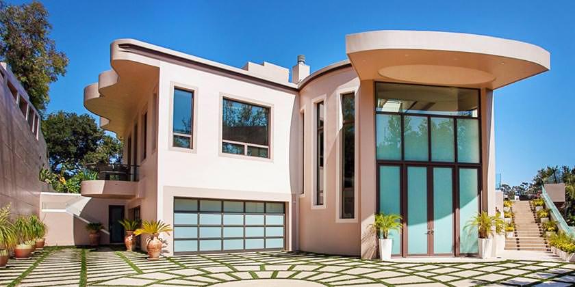 В Лос-Анджелесе продается бывший дом Рианны