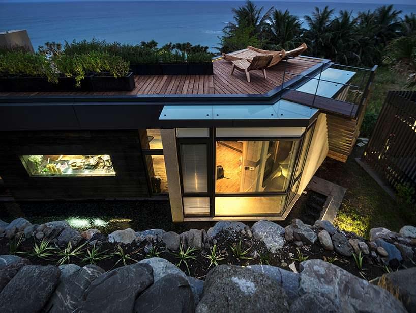Дом со смотровой площадкой на крыше