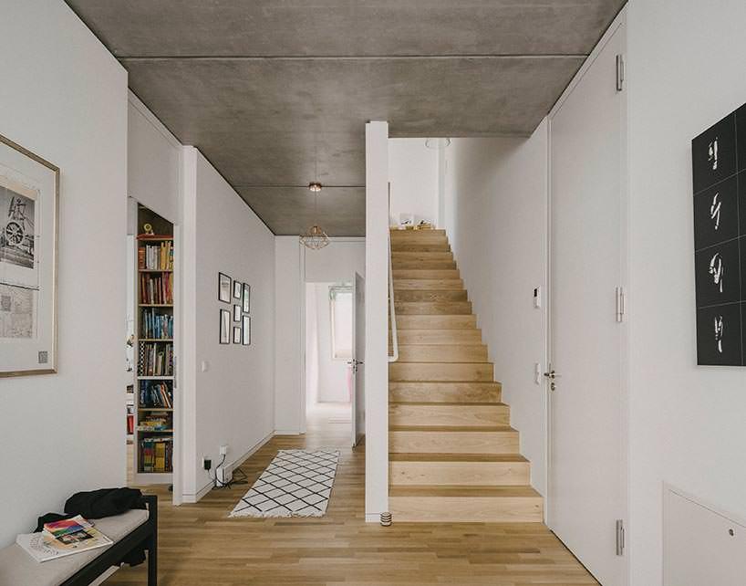 Фото   Лестница в квартире на второй этаж от Barkow Leibinger