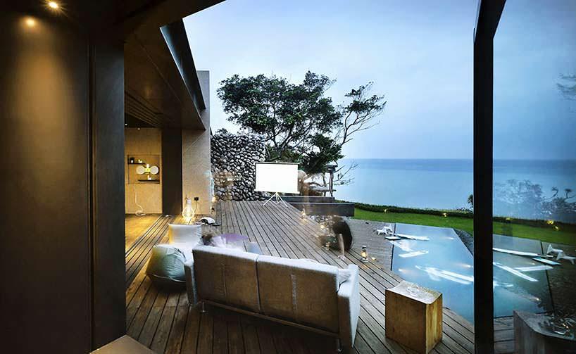 Вид на океан с террасы. Дом Atolan House