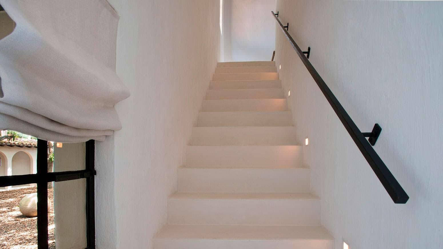 Подсветка лестницы в доме
