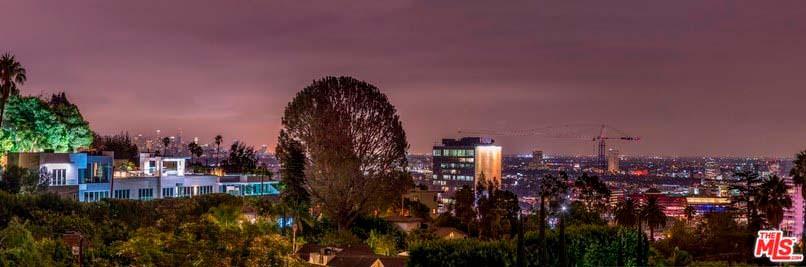 Панорамный вид на Лос-Анджелес из дома