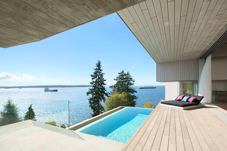 Панорамный бассейн и терраса