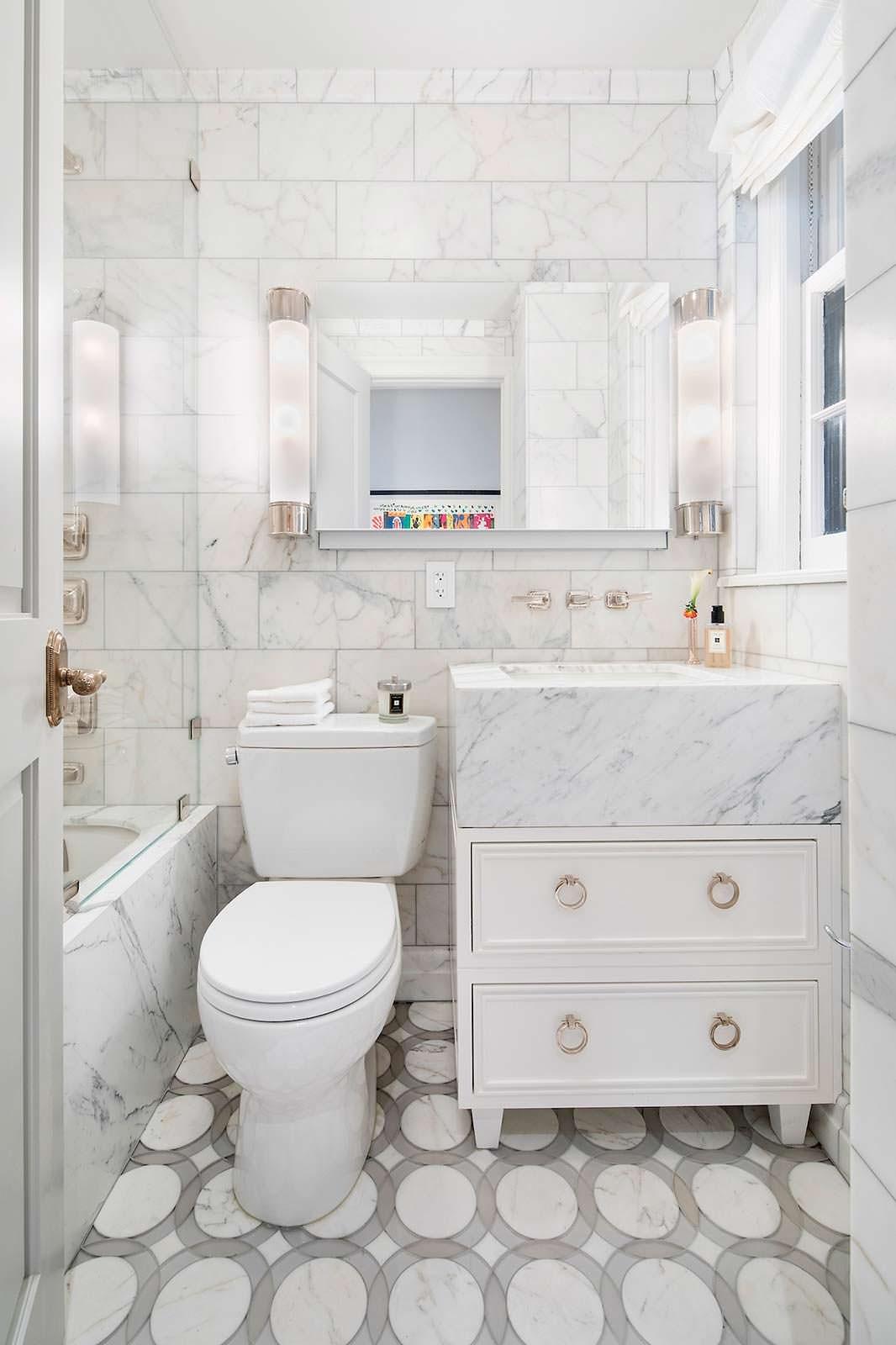 Ванная комната из мраморной плитки