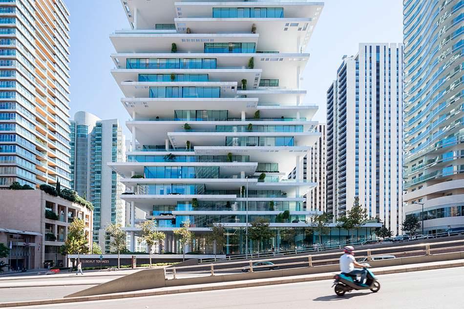 Ассиметричная башня из бетона и стекла Beirut Terraces