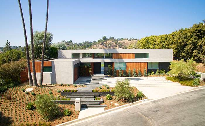 Фото   Дизайн дома с улицы в Беверли-Хиллз
