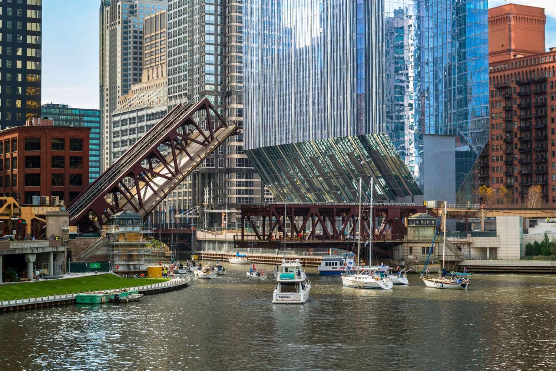 150 North Riverside: небоскреб на набережной в Чикаго
