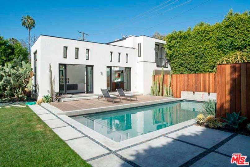 Дом с бассейном в Калифорнии модели Дианы Крюгер