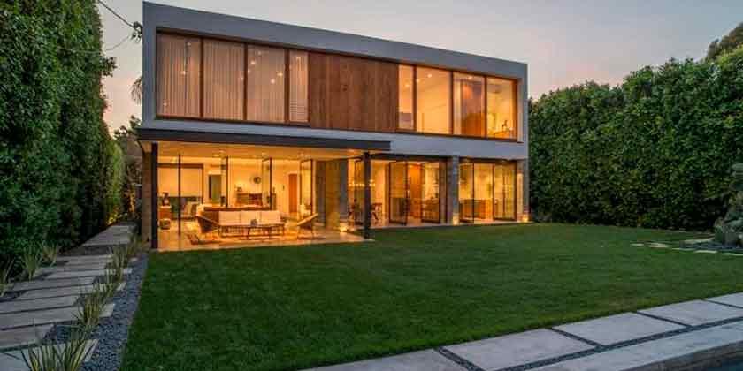 Модель Диана Крюгер продаёт дом в Лос-Анджелесе