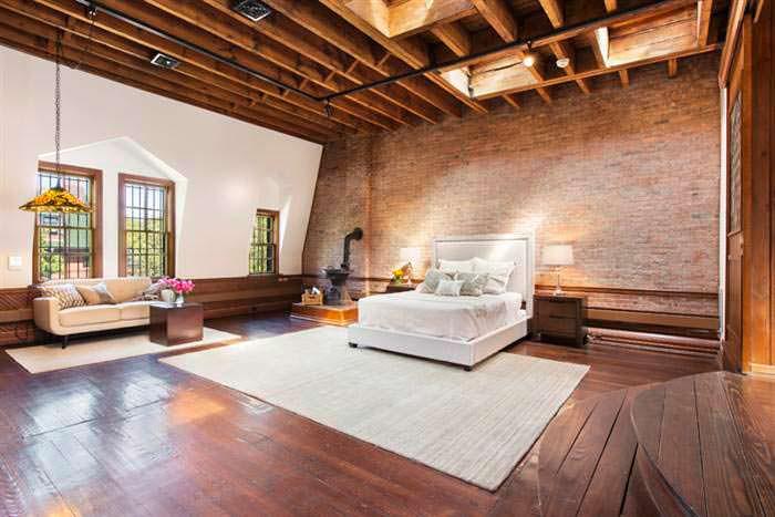 Спальня Криса Рока в историческом доме в Бруклине