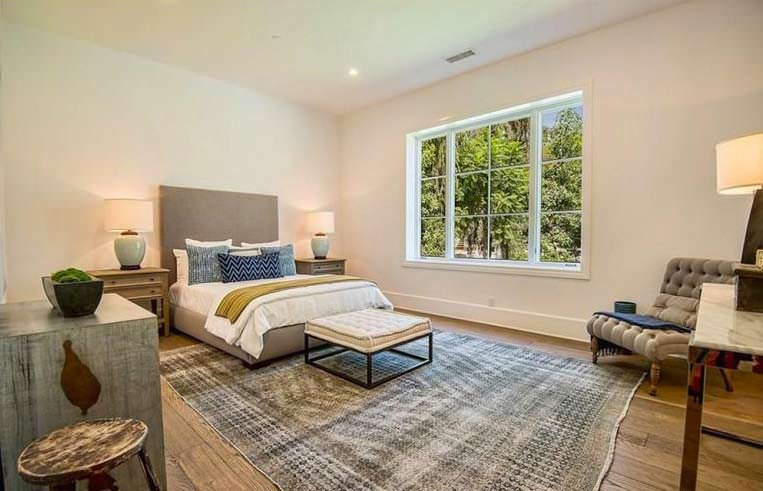 Современный дизайн спальни в доме The Weenkd