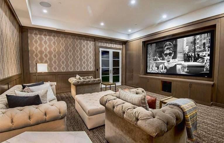 Собственный кинотеатр в доме The Weeknd