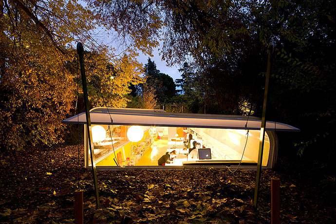 Тёплое освещение офиса Selgas Cano в Мадриде