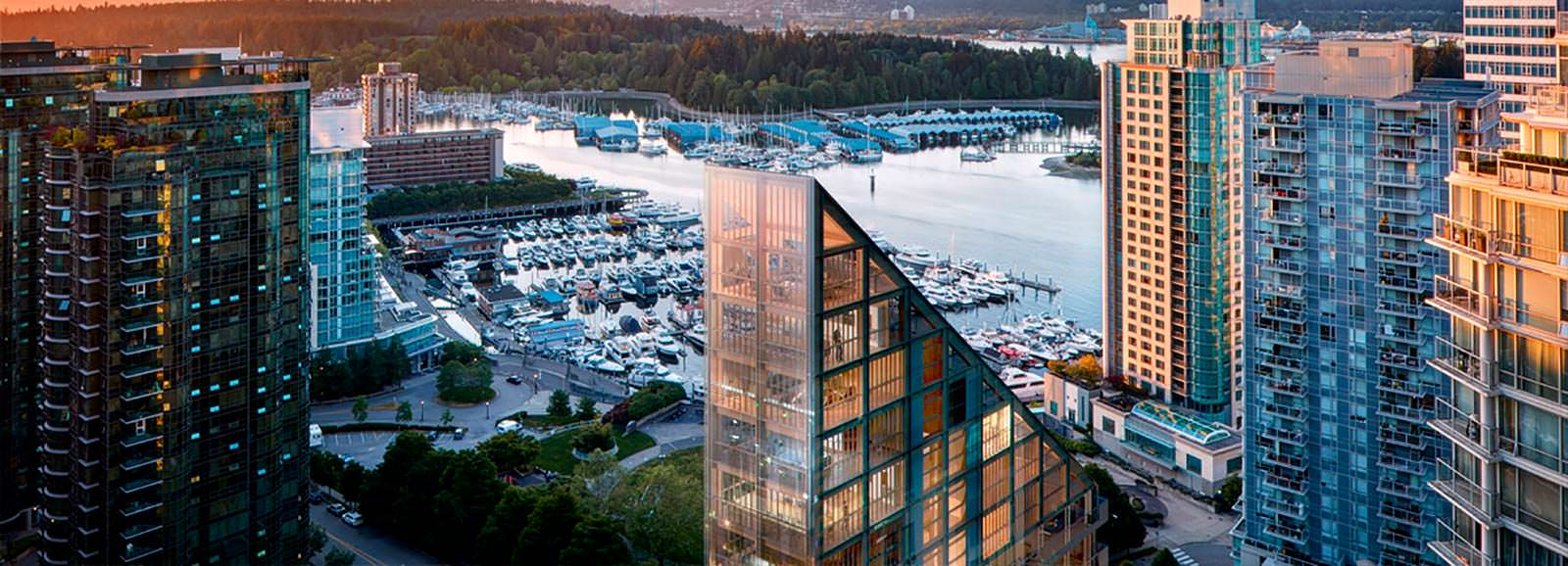 Вид на гавань Ванкувера с высоты Terrace House