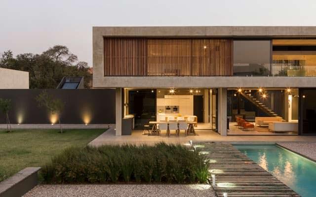 Современный дом для большой семьи от Thomas Gouws Architects
